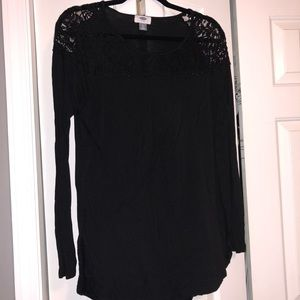 Black long sleeve old navy shirt